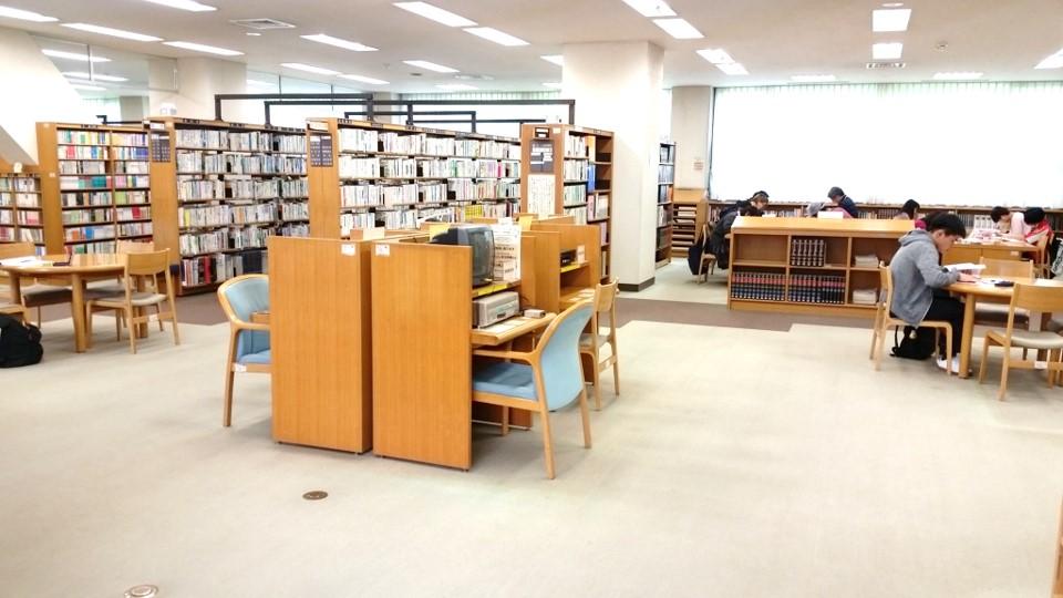 小竹向原 小茂根図書館_11読書02